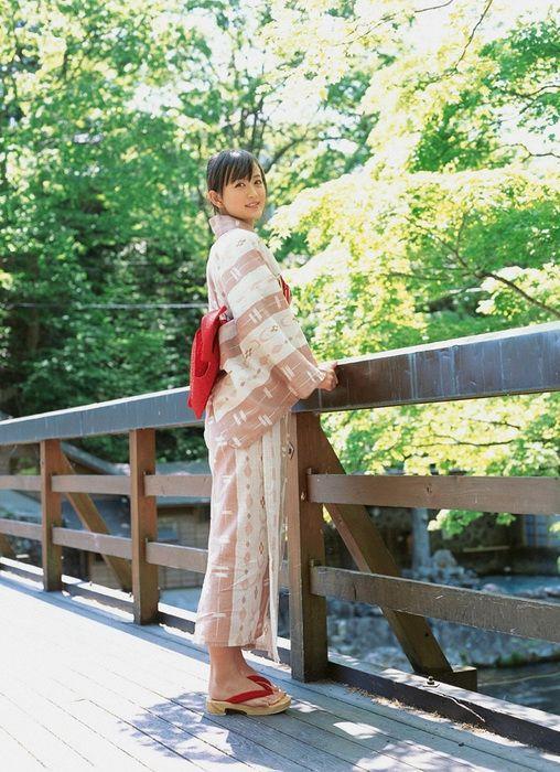 74cf36f803564dc7681ffb62659a3109 - יפניות סקסיות בקימונו (24 תמונות)
