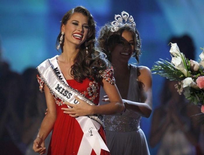 1e4ab48443e975af82750993f6c7912e - מיס וונצואלה סטפניה פרננדז היא מיס יוניברס 2009 (24 תמונות)