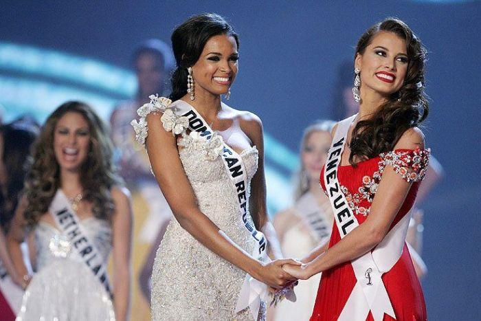 7985f8ec81a53681f870f860ff6bcc67 - מיס וונצואלה סטפניה פרננדז היא מיס יוניברס 2009 (24 תמונות)