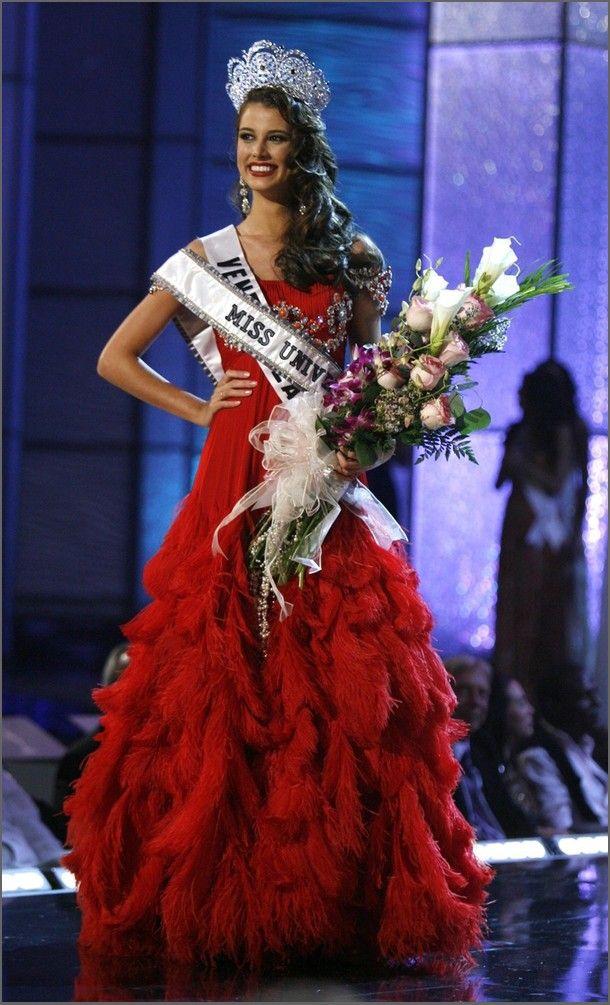 e1a34ba1d7d2f354090e68a1517d2c55 - מיס וונצואלה סטפניה פרננדז היא מיס יוניברס 2009 (24 תמונות)