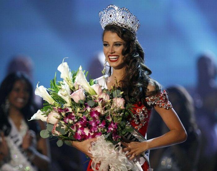 2e8c63e41865b121347f42a5214922b8 - מיס וונצואלה סטפניה פרננדז היא מיס יוניברס 2009 (24 תמונות)