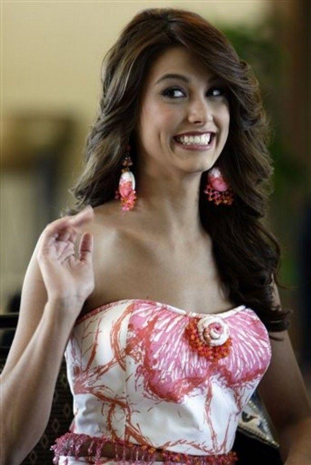 2b605606332ee2b89337d3bde7f08a02 - מיס וונצואלה סטפניה פרננדז היא מיס יוניברס 2009 (24 תמונות)