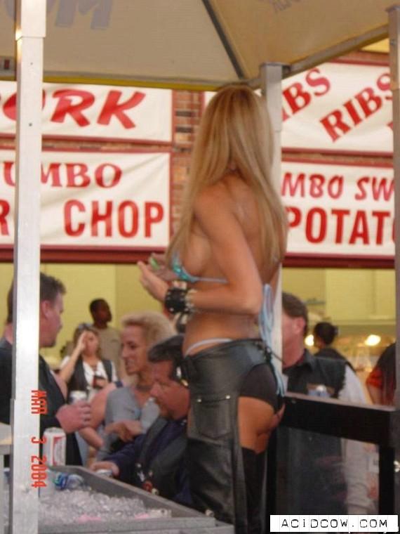 50e2a0d5f9f683539de3cd07099f4475 - עכשיו נעבור לברמניות סקסיות מאמריקה (119 התמונות)
