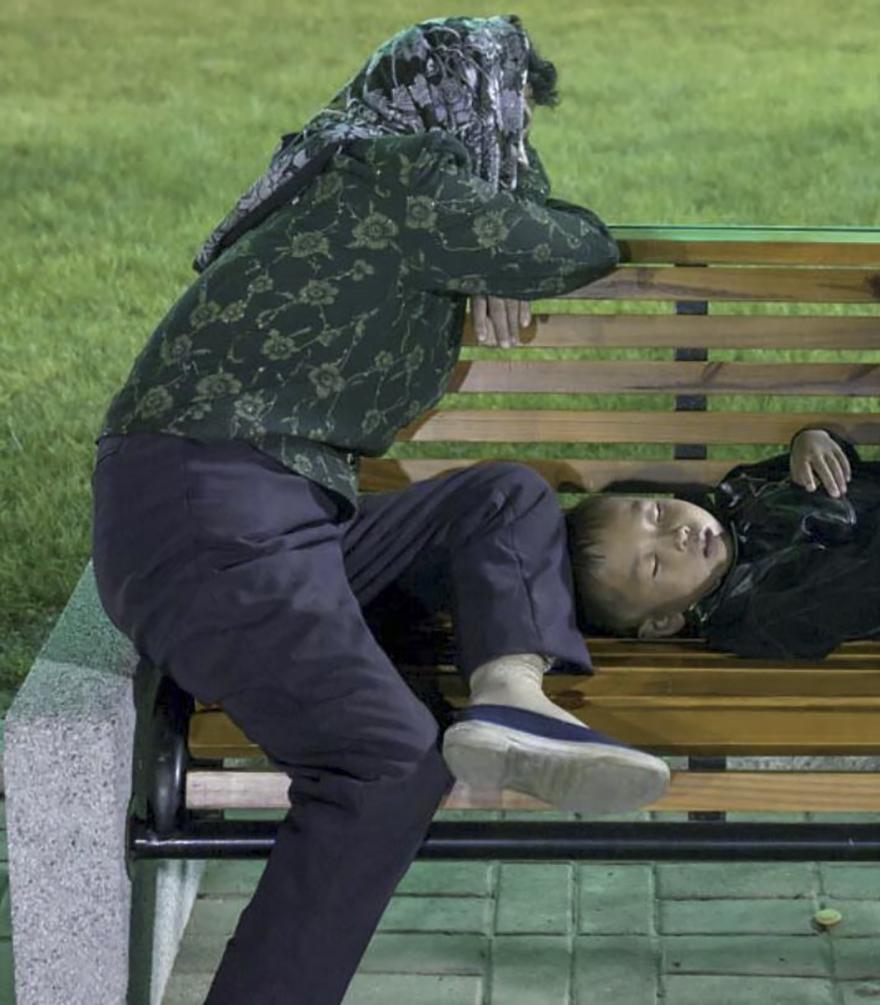 smuggled out photos north korea eric lafforgue 5a4f2e75aa78f  880 - 51 תמונות שקים ג'ונג-און (מנהיג צפון קוריאה) לא היה רוצה שתראו והצלם סיכן את חיו בשביל זה