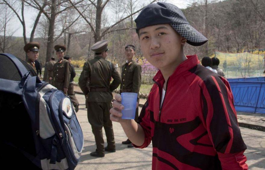 smuggled out photos north korea eric lafforgue 5a4f33b994d49  880 - 51 תמונות שקים ג'ונג-און (מנהיג צפון קוריאה) לא היה רוצה שתראו והצלם סיכן את חיו בשביל זה