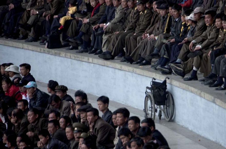 smuggled out photos north korea eric lafforgue 5a4f342bdf67e  880 - 51 תמונות שקים ג'ונג-און (מנהיג צפון קוריאה) לא היה רוצה שתראו והצלם סיכן את חיו בשביל זה