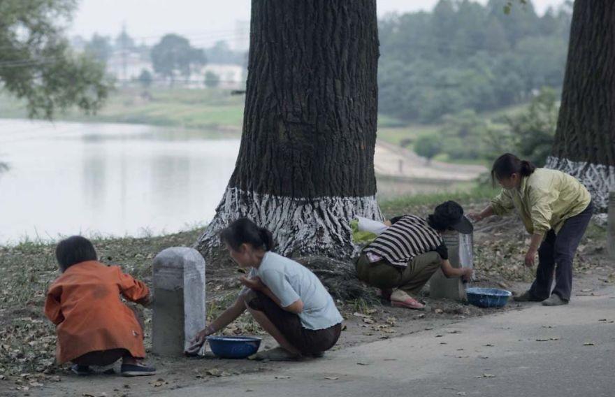 smuggled out photos north korea eric lafforgue 5a4f32575113b  880 - 51 תמונות שקים ג'ונג-און (מנהיג צפון קוריאה) לא היה רוצה שתראו והצלם סיכן את חיו בשביל זה