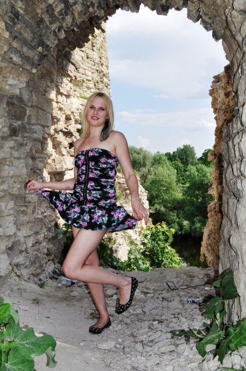 f572ef964e9350396cd3ae154a5862b3 - סקסיות בשמלות סקסיות :) (32 תמונות)