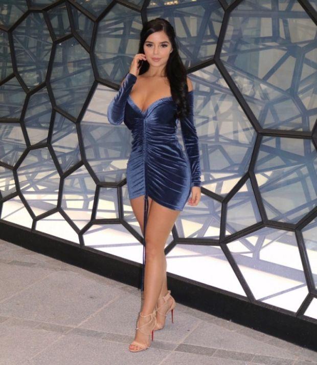 ebc425dd62fc9f31bab61d62aa6e8a30 - סקסיות בשמלות סקסיות :) (32 תמונות)