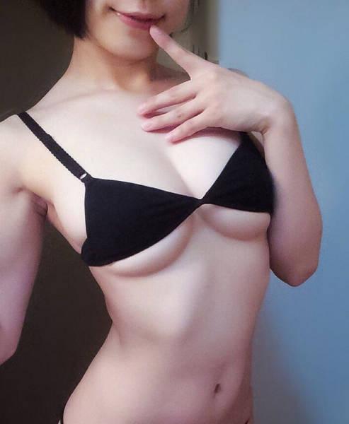 6b679dcf8a7e3958f823e3dadc073ab1 - היפניות חושבות שזה סקסי ללבוש תחתונים וחזיה במידות קטנות יותר (אנחנו מסכימים 26 תמונות)
