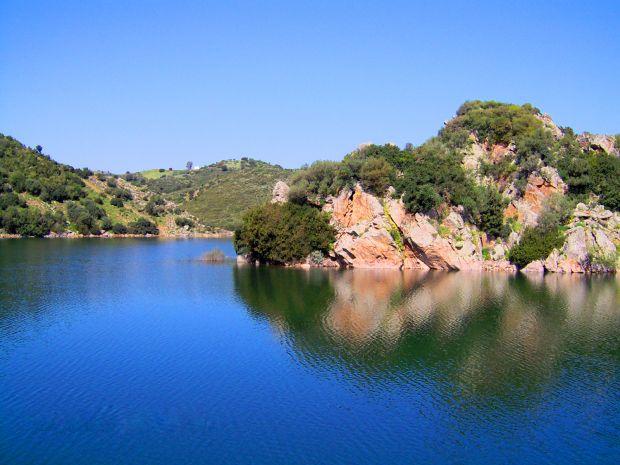 orroli-scomparsi-al-lago-mulargia-proseguono-ricerche
