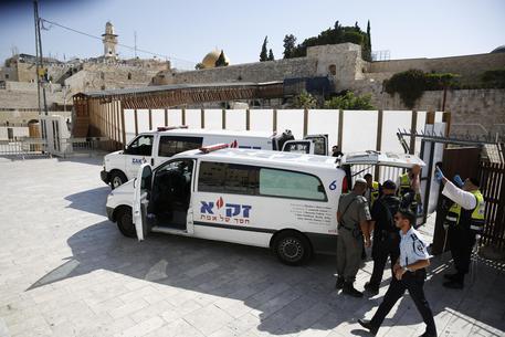 sparatoria-nella-moschea-di-gerusalemme-and-quot-giornali-italiani-travisano-notizia-and-quot