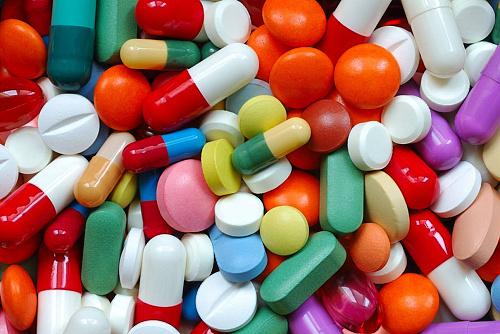 pirri-pastiglie-vietate-e-metadone-in-auto-arrestato