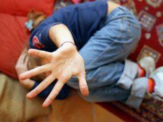 propone-sesso-a-15enne-per-30-euro-e-scappa-il-padre-del-ragazzino-rischia-la-vita-per-acciuffarlo