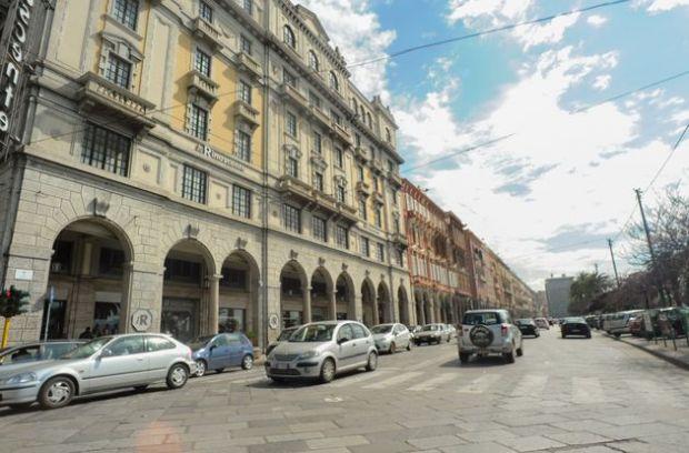 Sedie A Rotelle Roma : Via roma scippata e ferita anziana disabile in sedia a rotelle