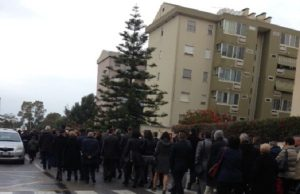 and-ldquo-no-alla-droga-and-rdquo-centinaia-di-persone-alla-processione-tra-is-mirrionis-e-san-michele
