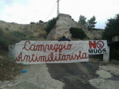 antimilitaristi-in-corteo-in-citt-and-agrave