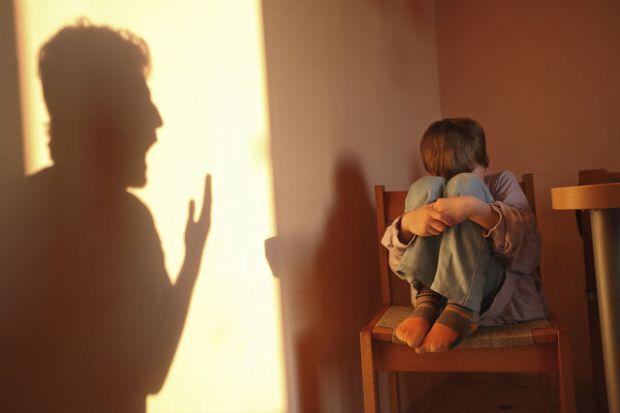 maltrattamenti-ai-bambini-in-un-asilo-due-arresti-a-milano