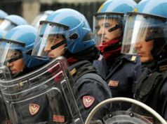 corteo-antimilitaristi-and-quot-chiudete-base-decimomannu-and-quot-polizia-in-tenuta-antisommossa