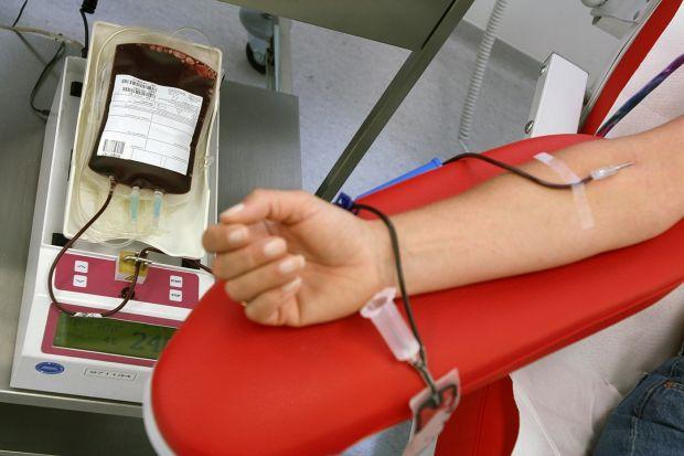 raccolta-sangue-appello-avis-and-quot-non-serve-sapere-a-chi-donare-sangue-bisogna-semplicemente-farlo-and-quot