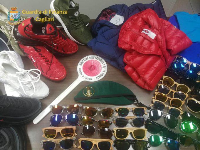 b29c4fdb9b Abusivismo commerciale: sequestrati oltre 600 articoli contraffatti