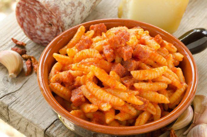 Gli itinerari del gusto in Sardegna, tra piatti tipici e buon vino