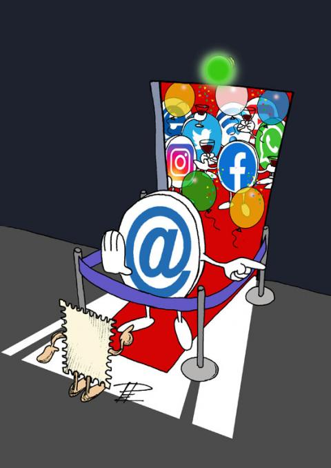 The digitization of communication globalizes us, but at the same time isolates to some people.