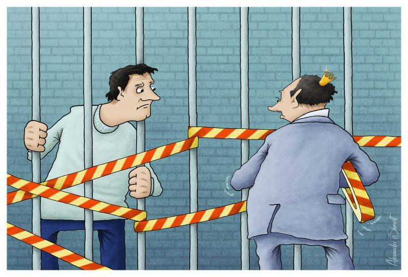 Alexei Navalny stands behind the prison bars, Vladimir Putin puts on protective tapes around him.