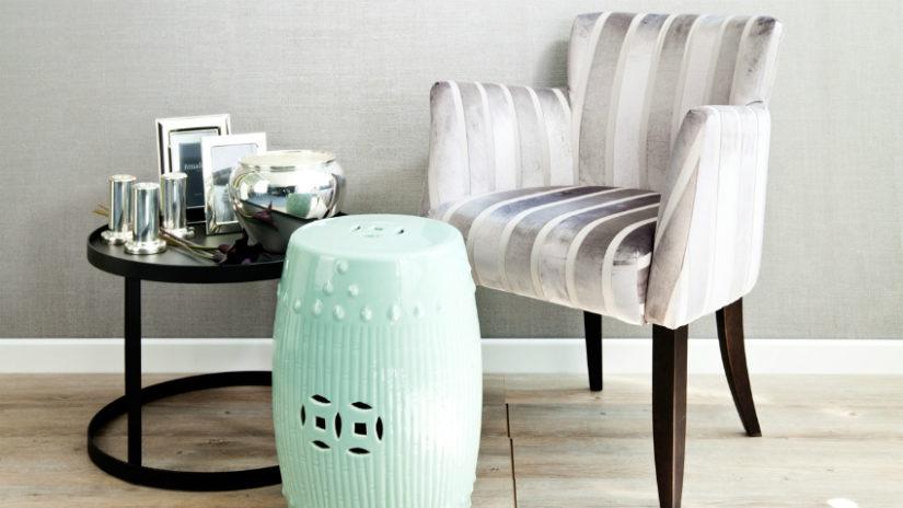 mentolově zelené dekorace - stolek