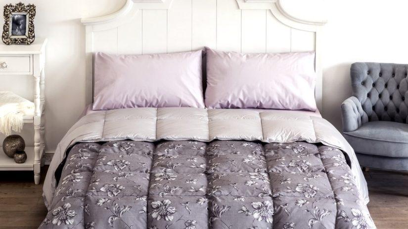 krémová postel 200 x 200