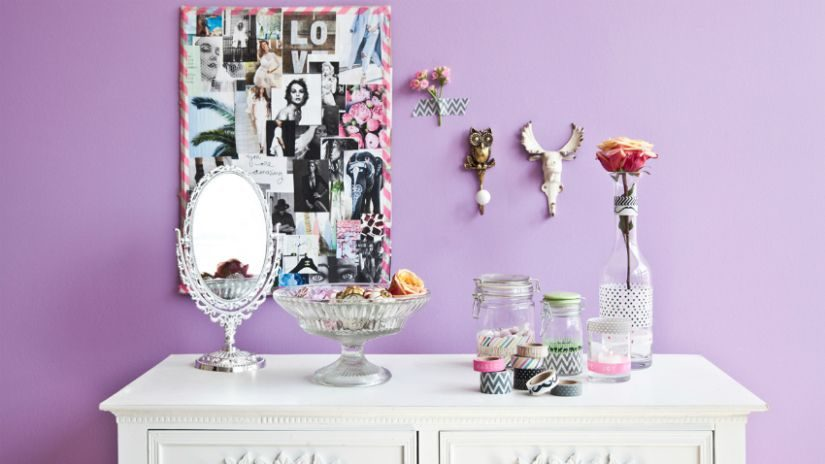 kosmetické zrcátko do ložnice