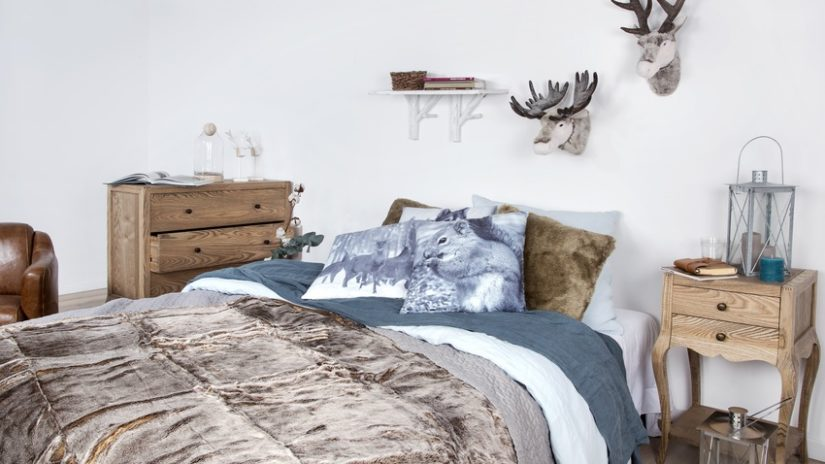 přehoz přes postel ve venkovském stylu