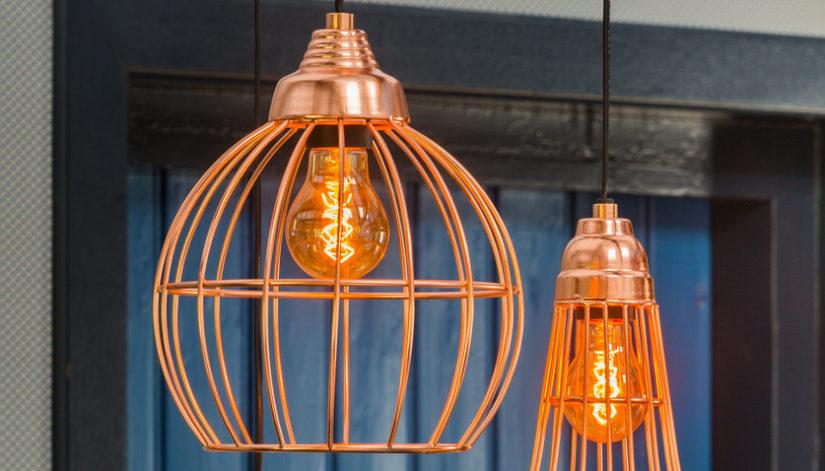 designová kulatá měděná lampa