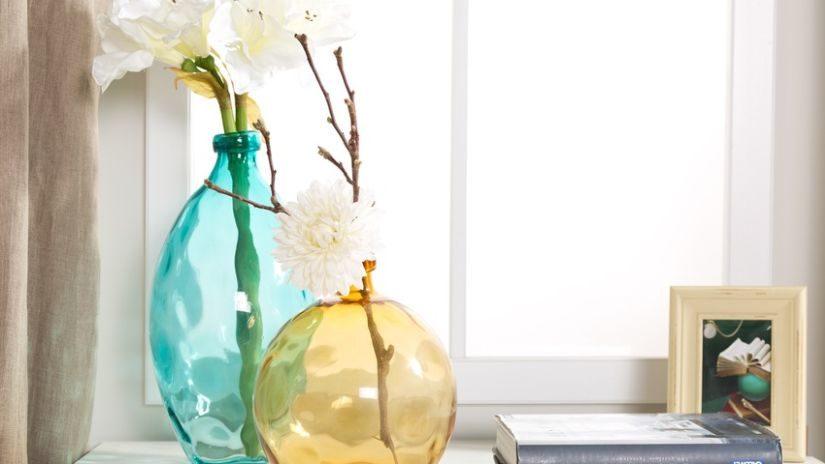žluté skleněné vázy