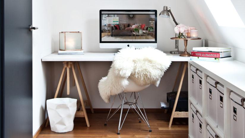 stylový bílý psací stůl