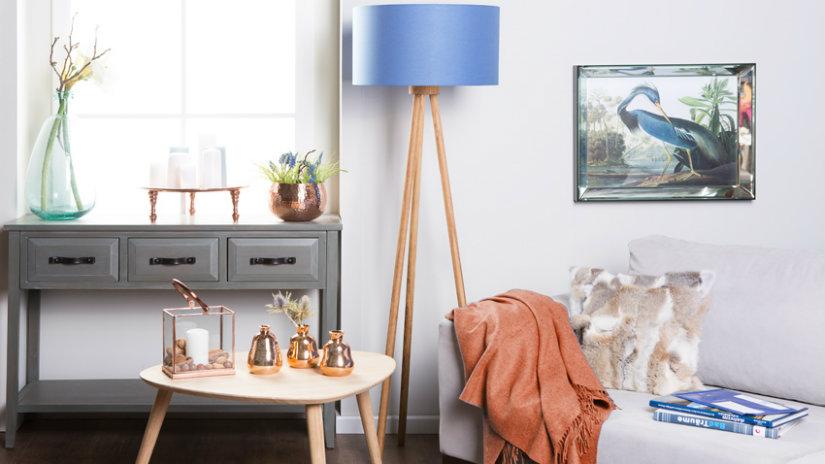 stylová stojací modrá lampa