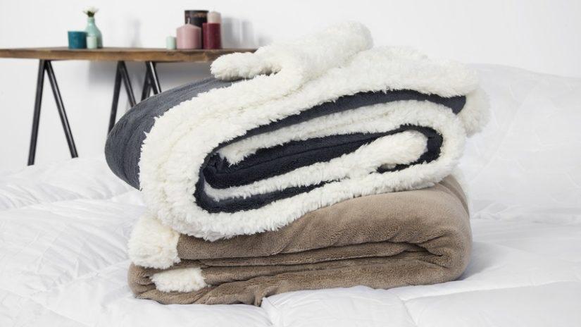 deky a plédy s kožíškem