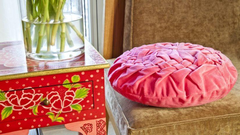 růžové sedáky