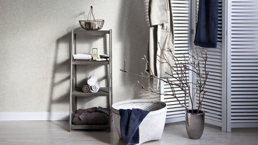 bílá zástěna - sprchový závěs
