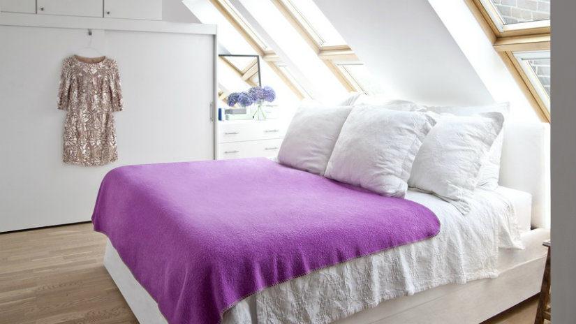 bílé boxspringové postele