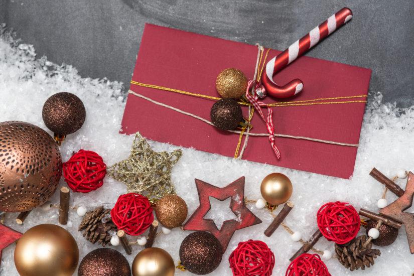 dárky v obálce
