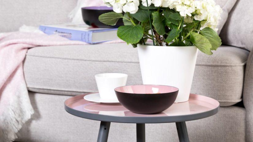 růžové stoly