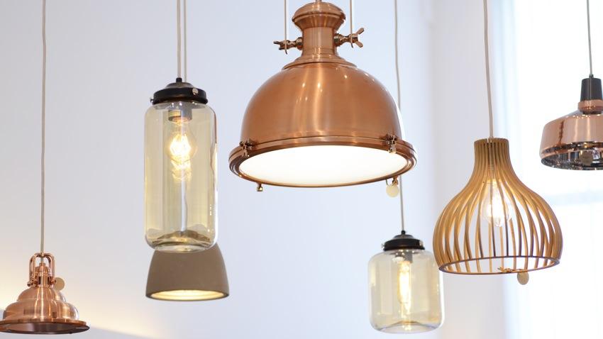 Kulatá měděná lampa