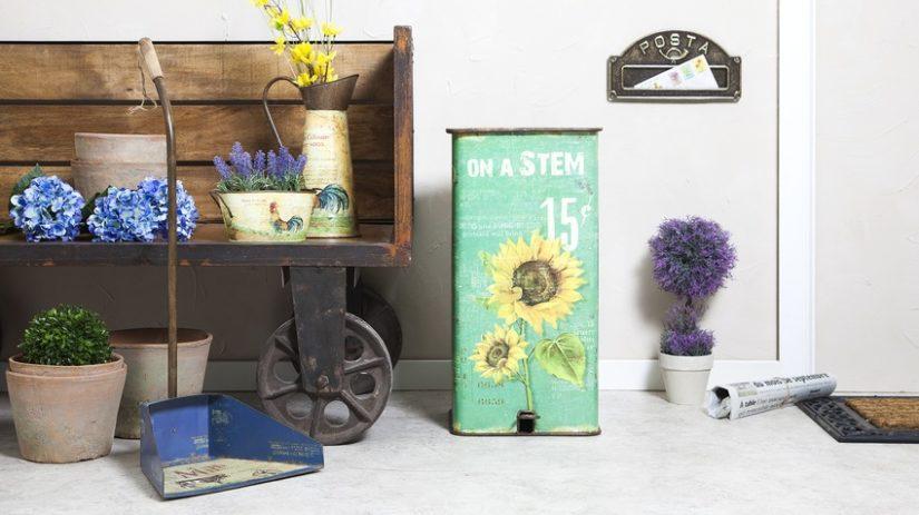 industriální stojan na květiny