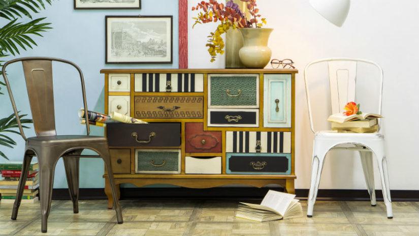 barevné vintage skříně