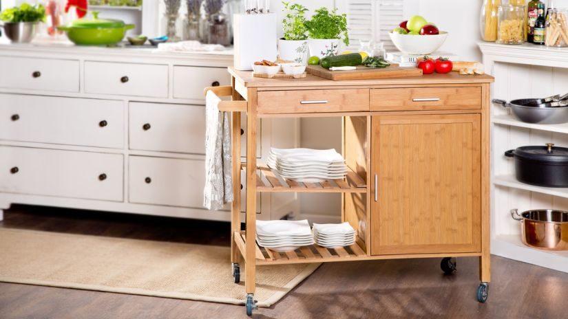 praktický kuchyňský vozík