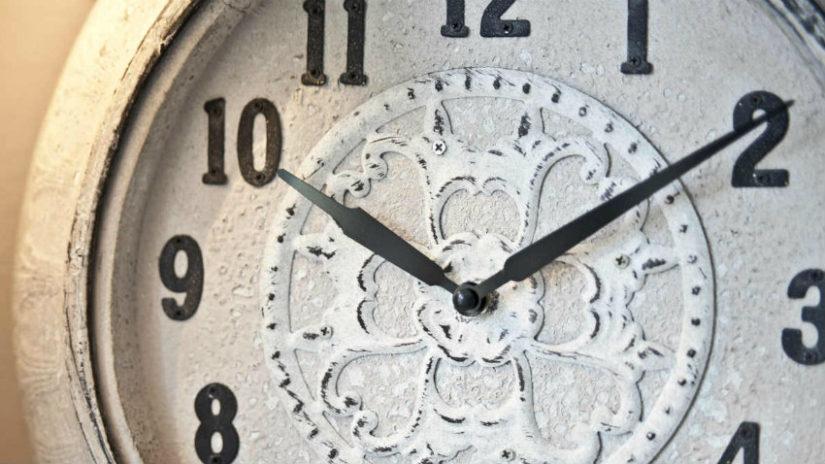 shabby chic designové nástěnné hodiny