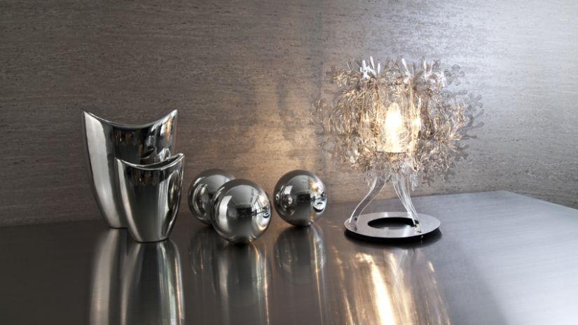 dekorativní stříbrné vázy