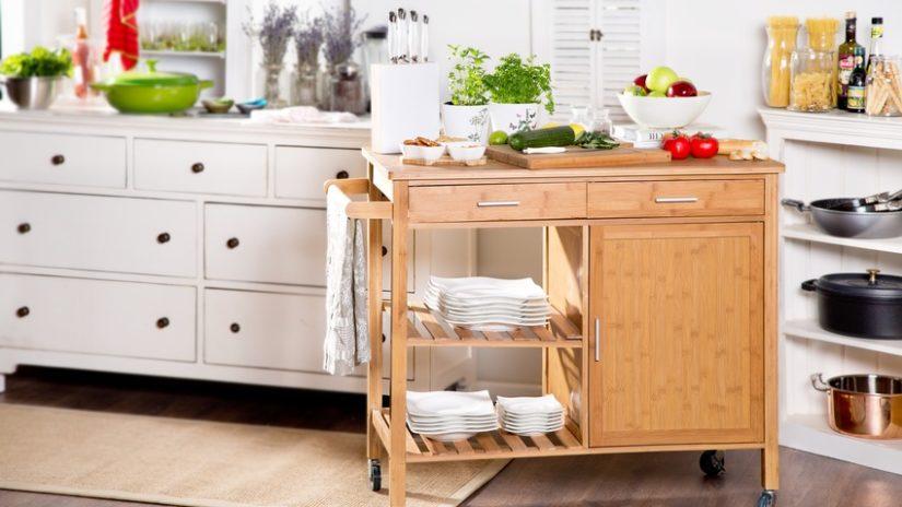 stylové kuchyňské skříňky