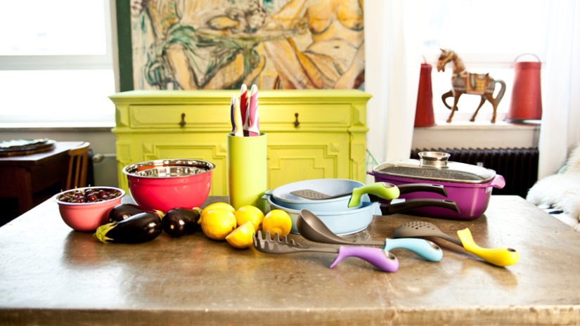 barevné kuchyňské skříňky